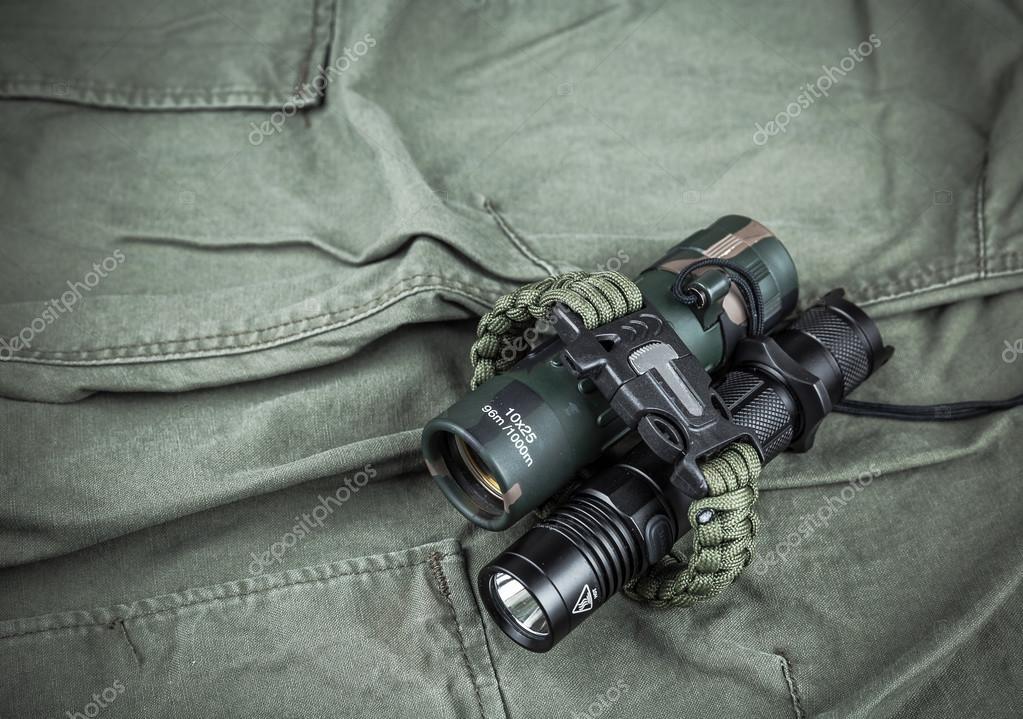 Militärische paracord armband taktische taschenlampe und fernglas