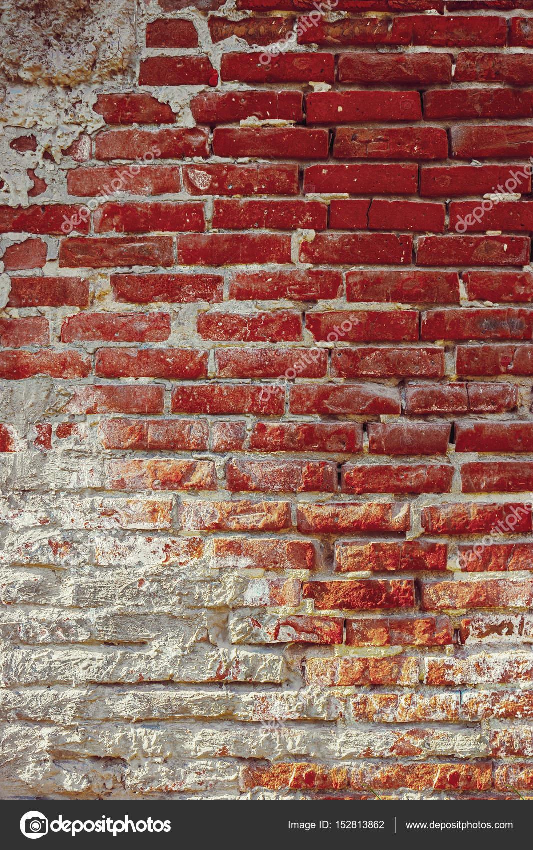 Muro Di Mattoni Rosso Antico Con Intonaco Sul Mezzo Basso Copyspace