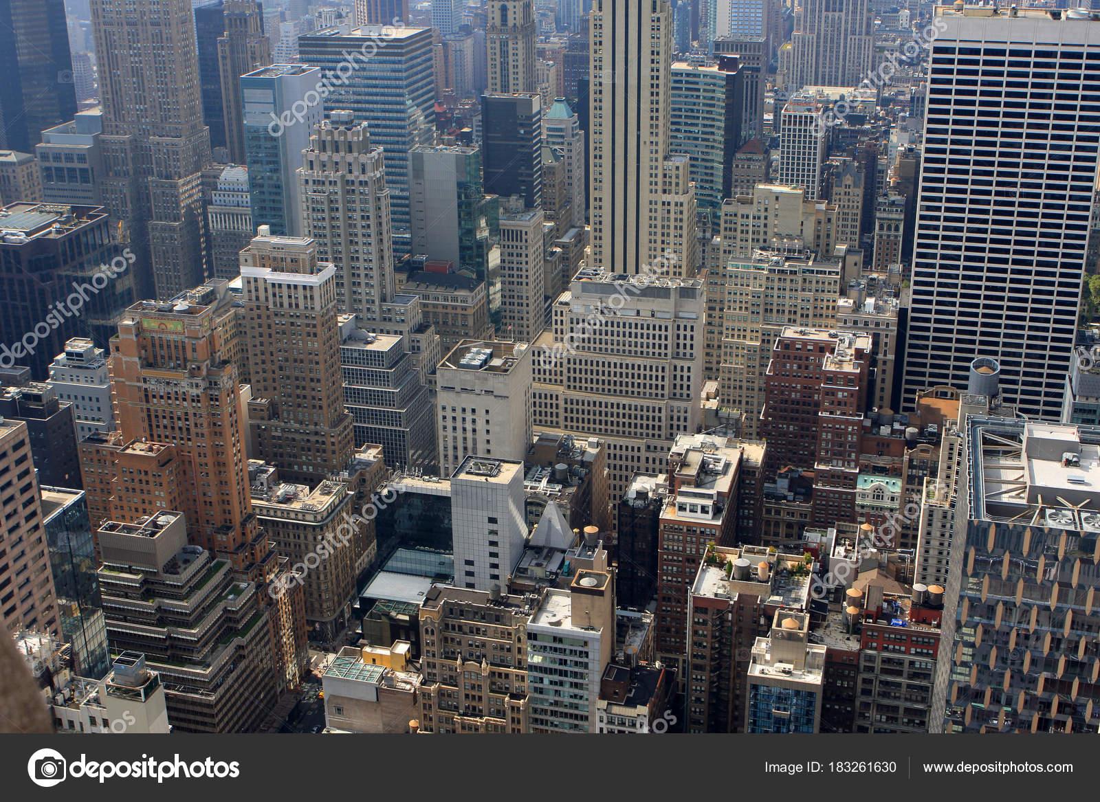 ニューヨーク アメリカ岩建物の上からの眺め \u2014 ストック写真