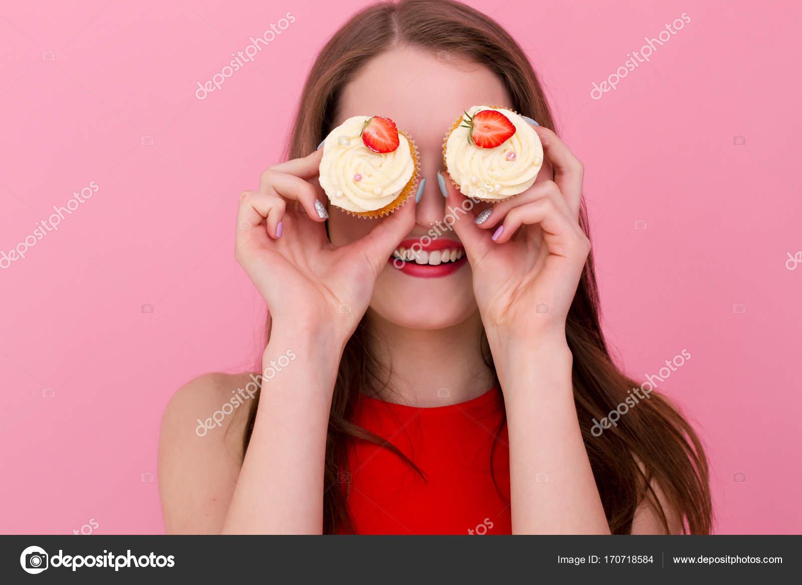 Teenager Mädchen Creme Kuchen