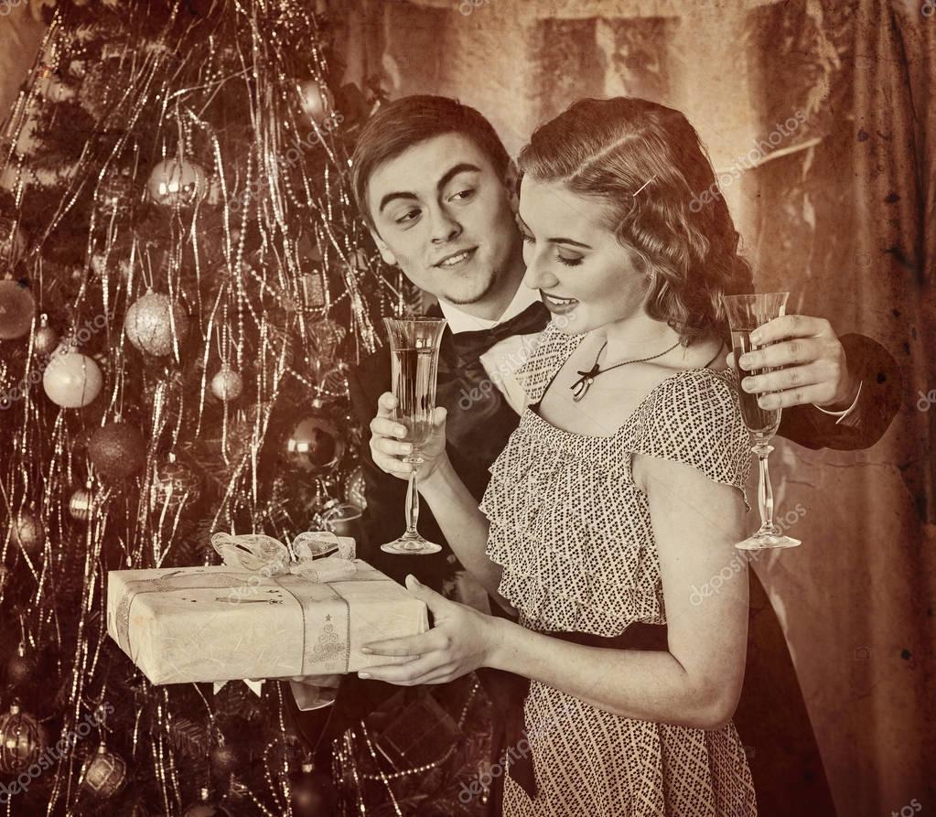 Photo Black Family Christmas Picture Ideas Retro Vintage Portrait Of Couple Christmas Party Black And White Stock Photo C Poznyakov 129171978
