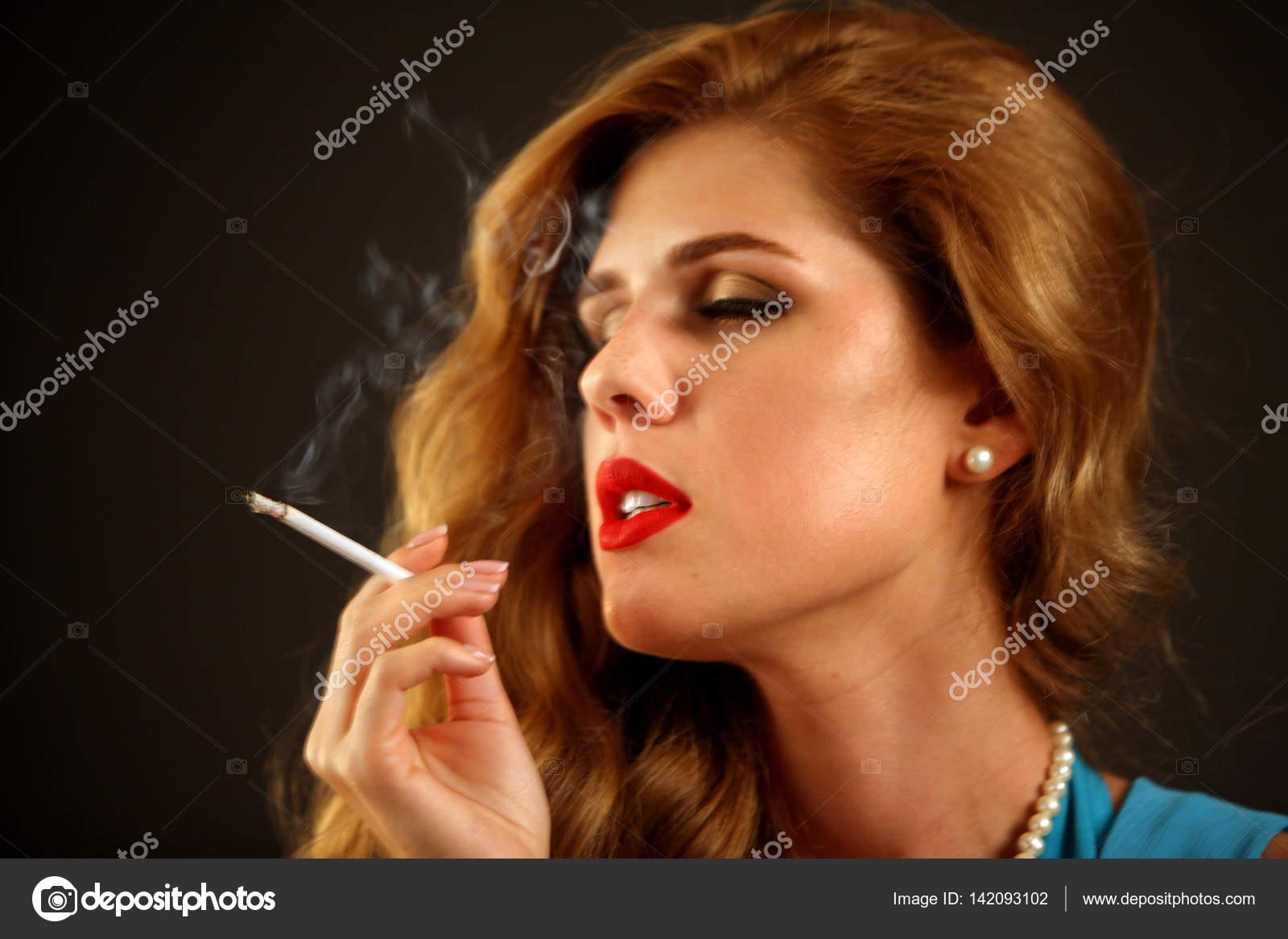 Курение девушек это