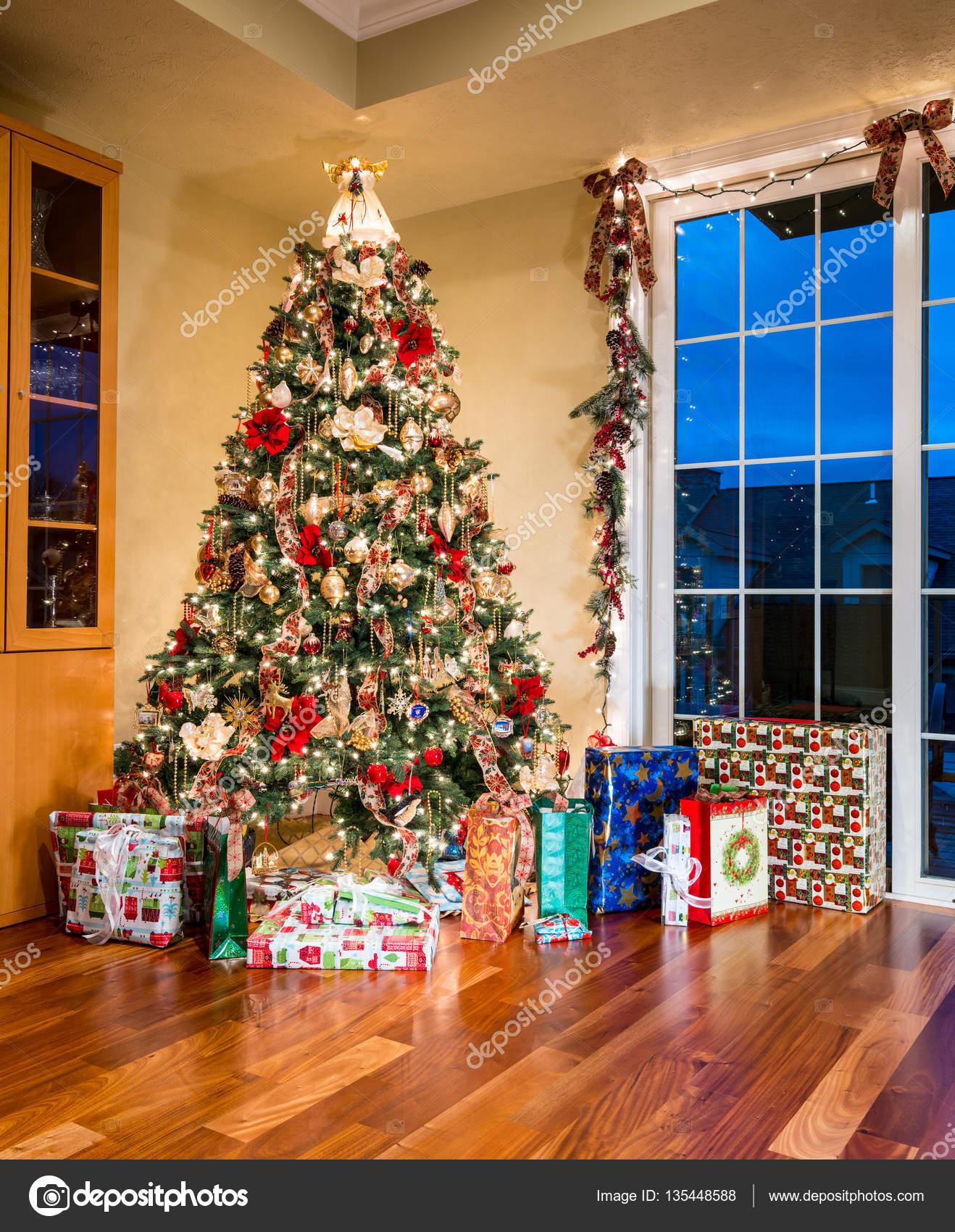 Decorazioni natalizie per casa moderna