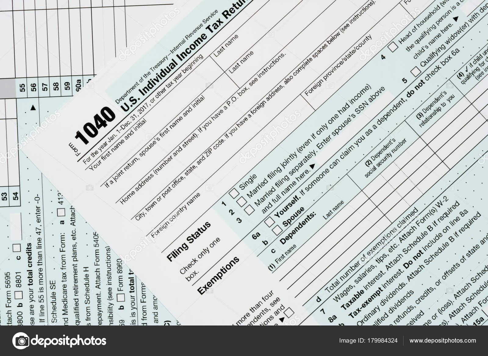 Macro close up of 2017 IRS form 1040 — Stock Photo © steveheap ...