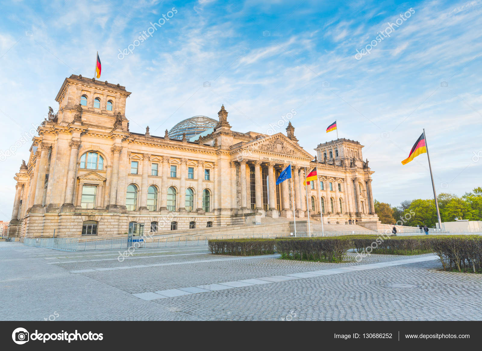 Reichstag tedesco edificio del parlamento a berlino for Immagini del parlamento