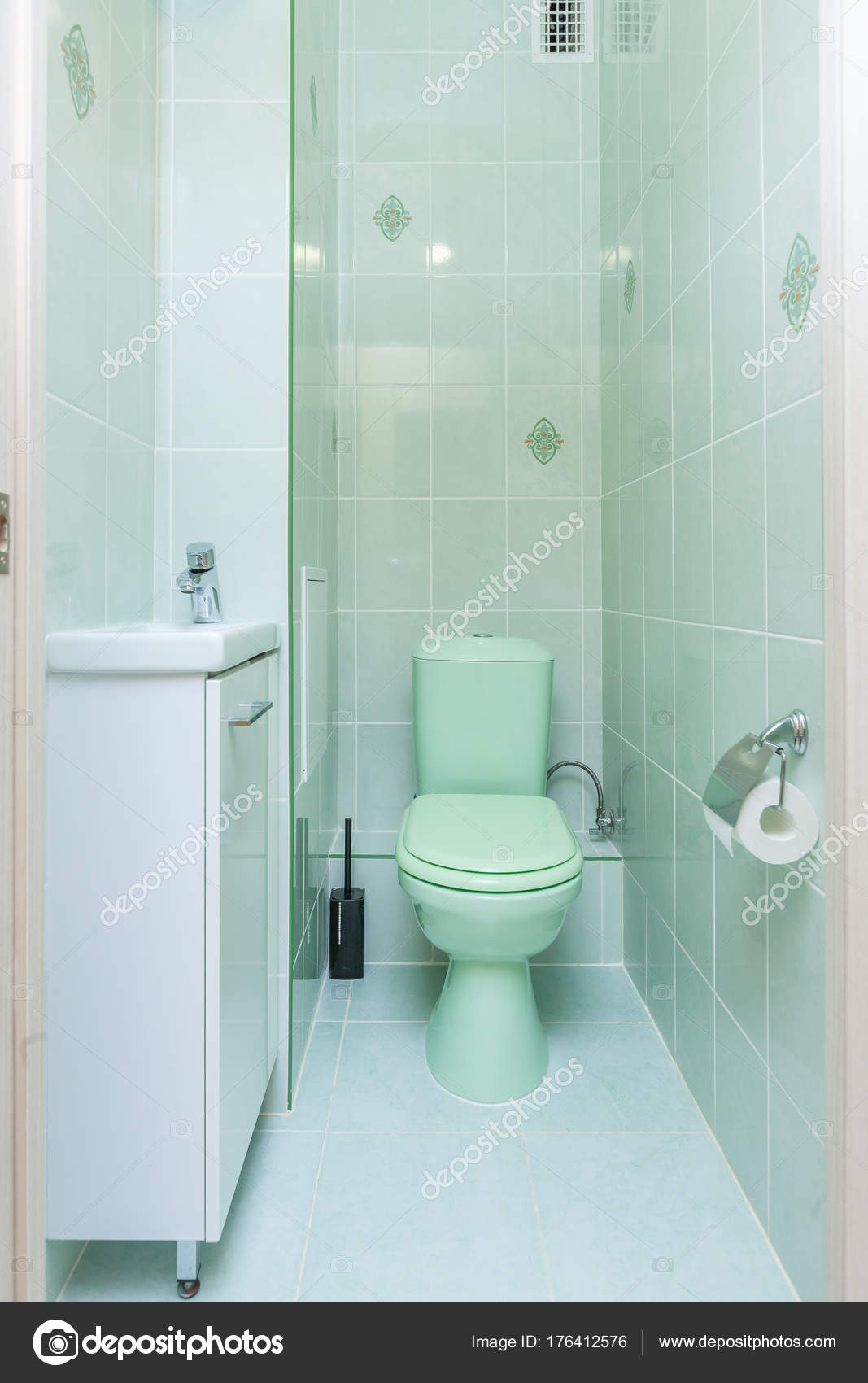Restroom with toilet — Stock Photo © olgasweet #176412576