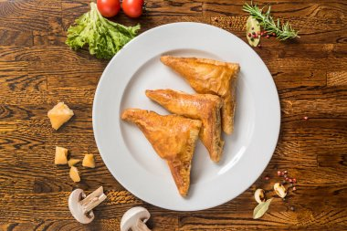 Fresh pies with vegetables