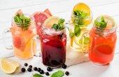 gyümölcs nyári italok szemüveg