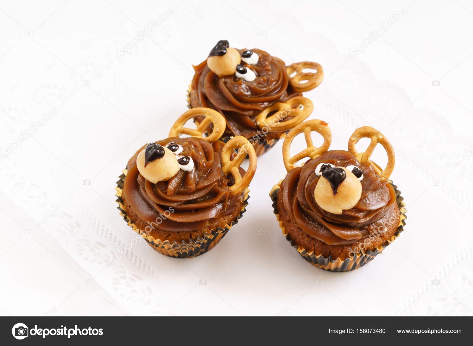 leckere lustige muffins stockfoto shebeko 158073480. Black Bedroom Furniture Sets. Home Design Ideas