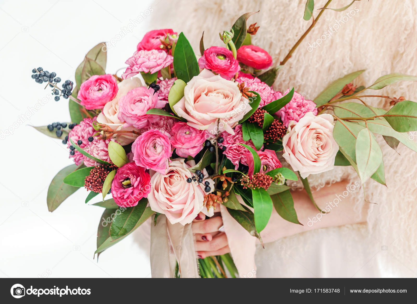 Bright Wedding Bouquet Stock Photo Image By C Shebeko 171583748