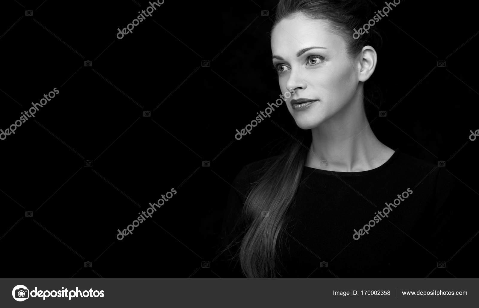 pěkné ebenové ženy