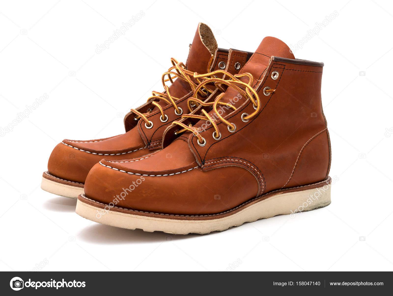 gran variedad de 100% de garantía de satisfacción zapatillas Botas americanas de trabajo — Fotos de Stock © DNKSTUDIO ...