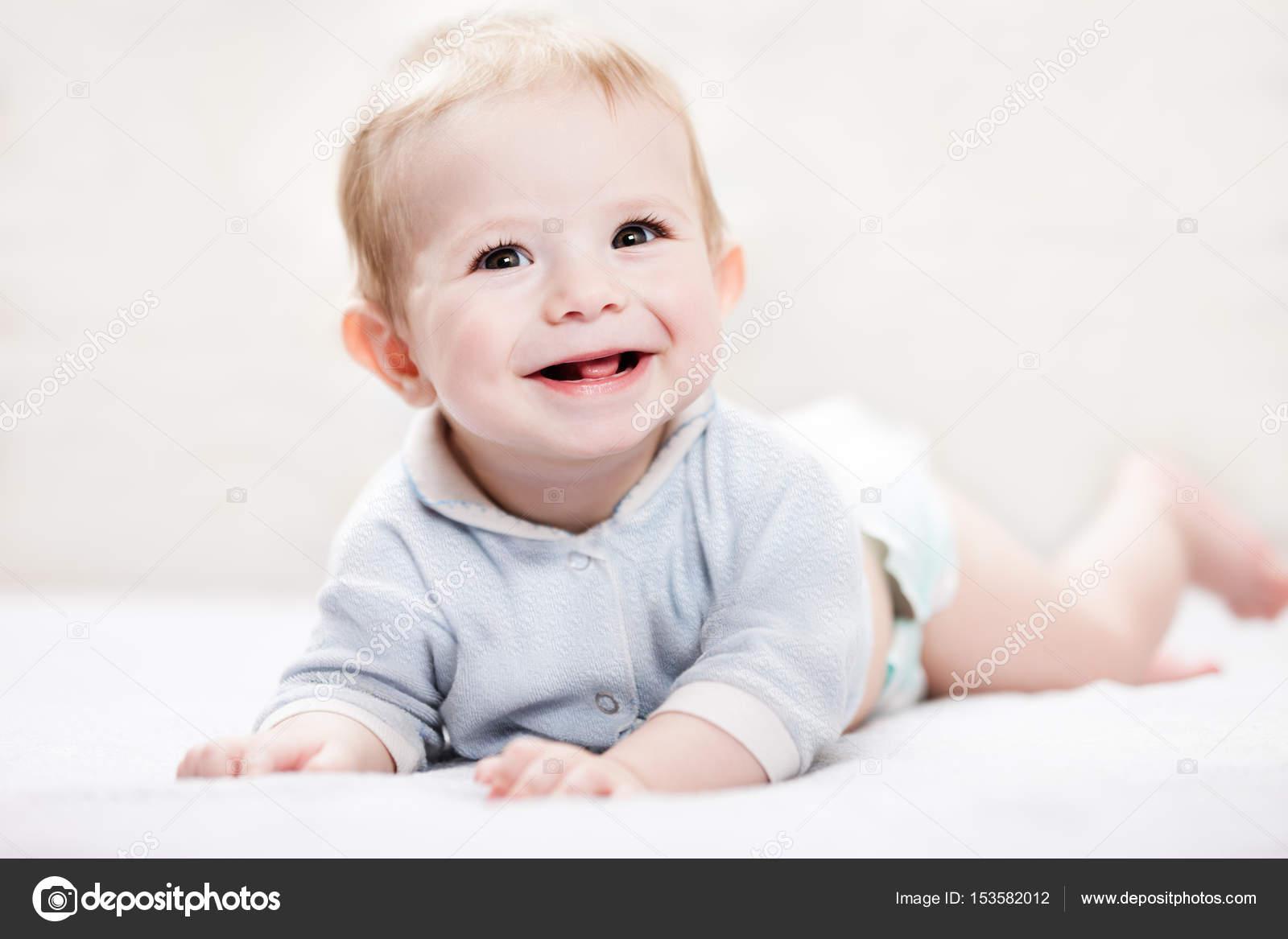 kisgyermek szopás