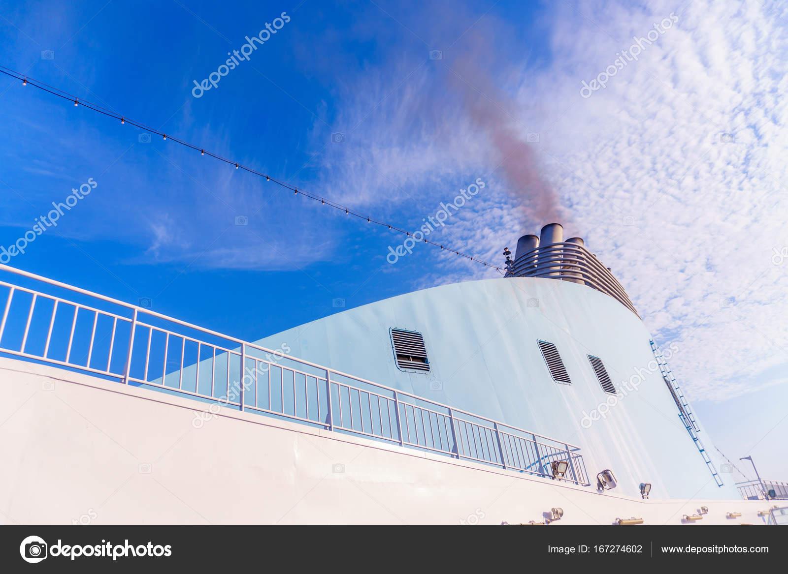 pipe sur bateau de croisière ex femme pipe