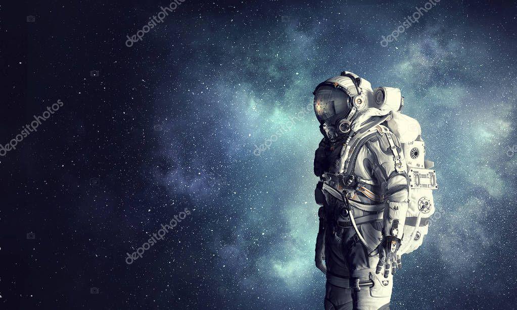 astronaut in suit - 1000×750