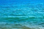 Vlny tropických tyrkysové moře