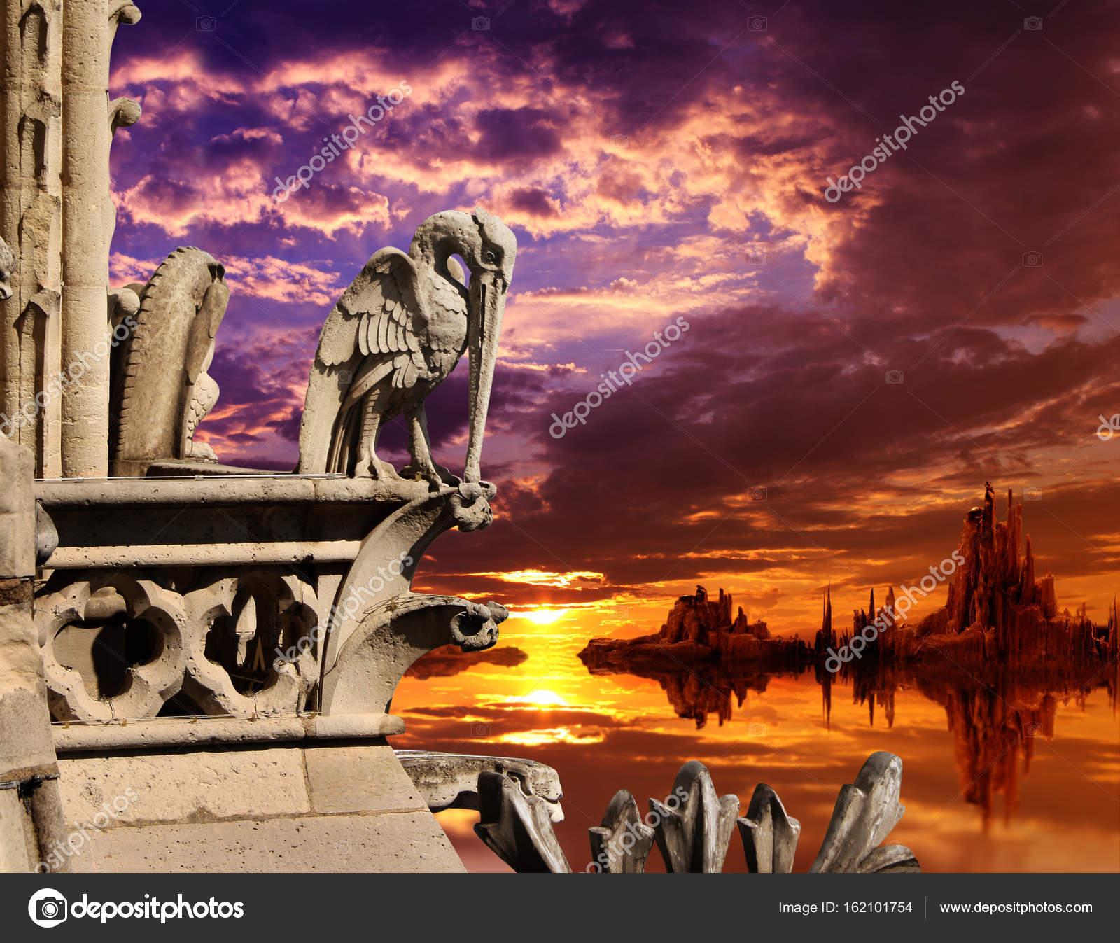 sch ne fantasy landschaft mit alten steinernen statue von pelikan stockfoto frenta 162101754. Black Bedroom Furniture Sets. Home Design Ideas