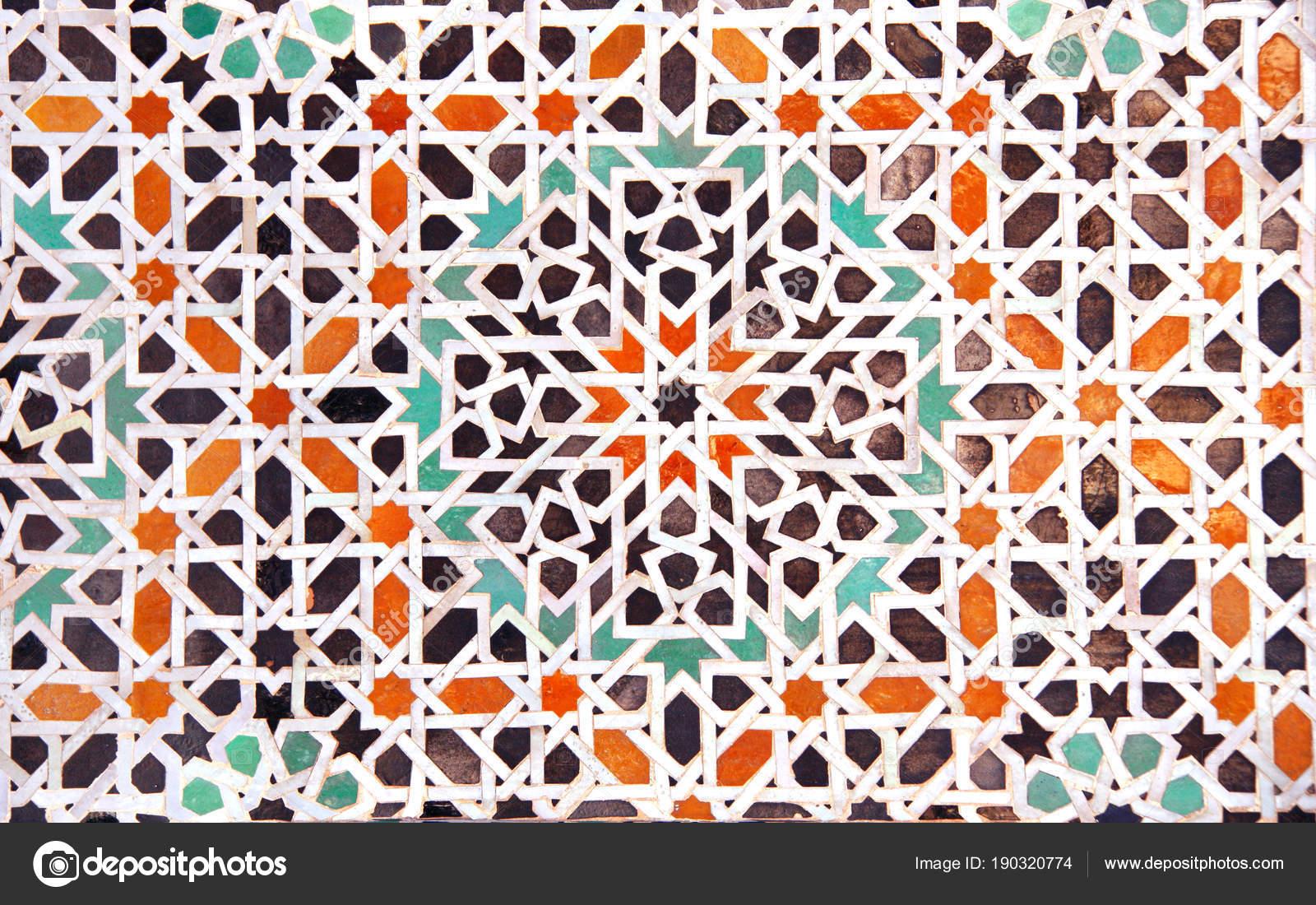 Dettaglio della parete di mosaico tradizionale marocchina marocco