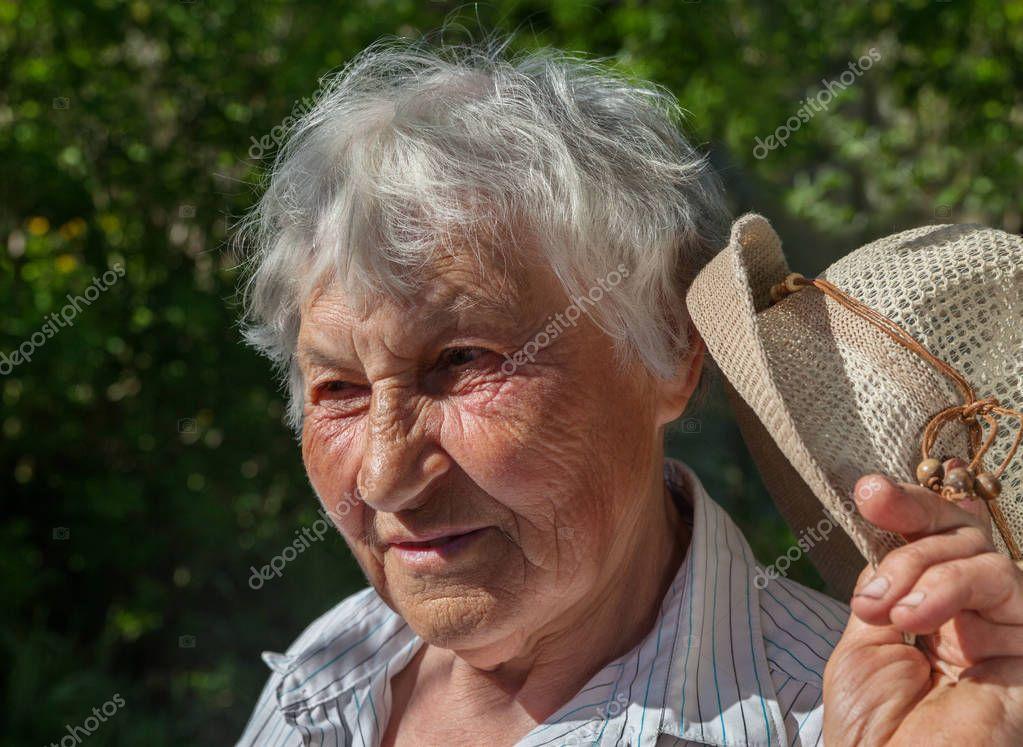 пожилые бабы в конце - 14