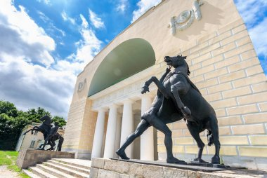 Sculpture tamer of horses by Peter Klodt next the building of th