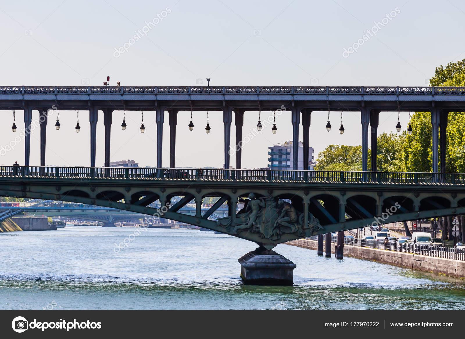 View Of Pont De Bir Hakeim Formerly Pont De Passy Paris