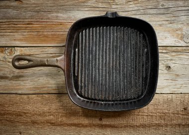 empty black cast iron pan