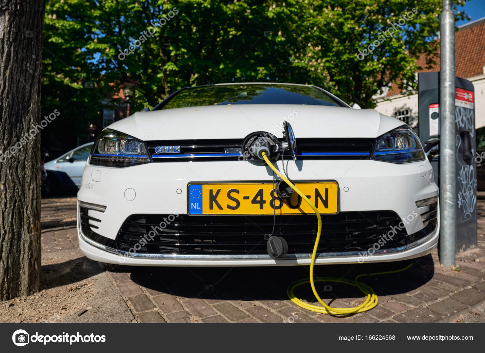 Volkswagen Golf Gte Benzine Elektrische Hybride Auto In De Straat In