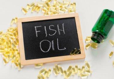 Fish oil capsules set