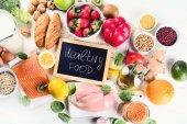 Pojem zdravé potraviny. Jíst vyváženou stravu. Přirozené potravy. Pohled shora
