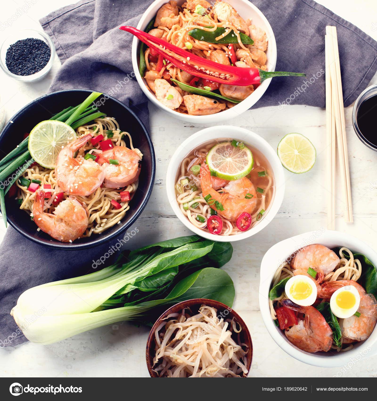 Asiatische Küche | Thai Kuche Traditionelle Asiatische Kuche Ansicht Von Oben