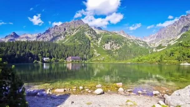 Jezero Popradské pleso ve Vysokých Tatrách, Slovensko