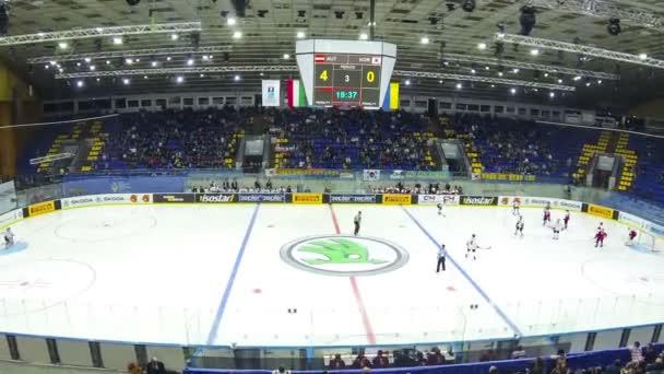 Hra lední hokej v Palác sportu v Kyjevě
