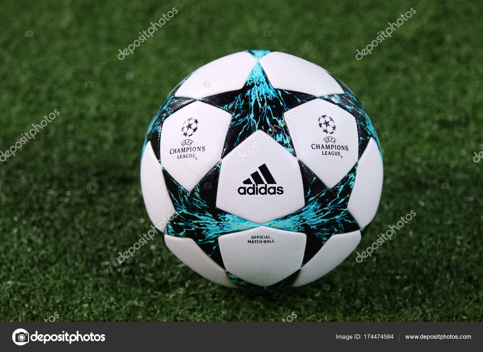 Ballon de match officiel Uefa Champions League– Photographies éditoriales  en vente b3916c534f2