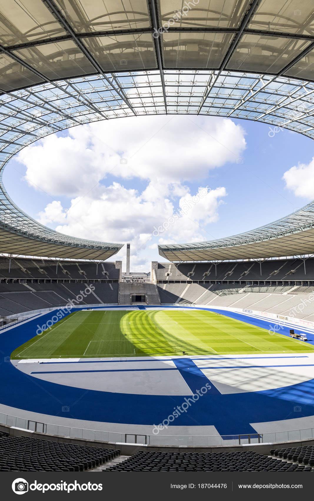 großer Diskontverkauf neue hohe Qualität schöne Schuhe Olympiastadion (Estádio Olímpico) em Berlim, Alemanha ...