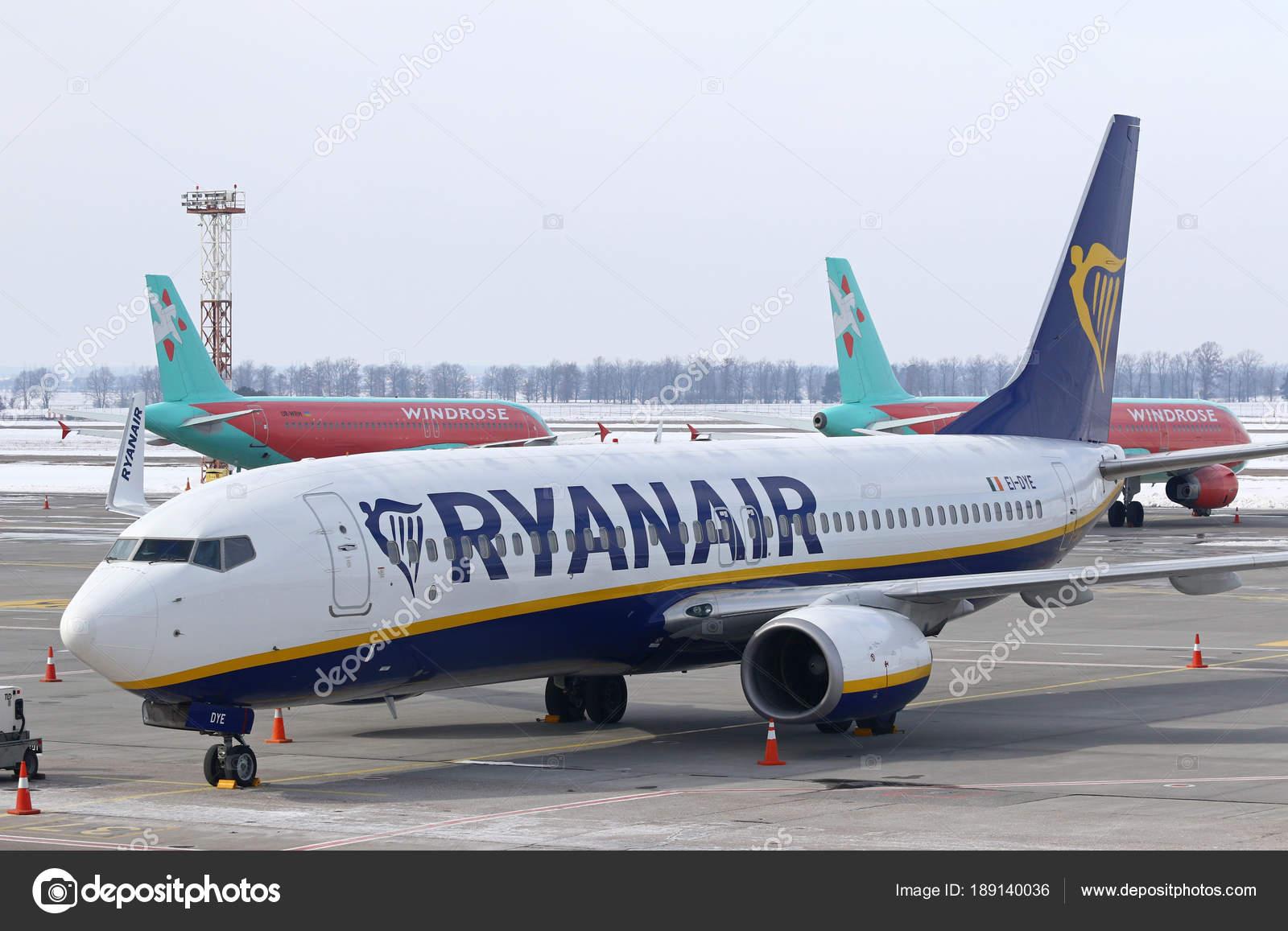 Aeroporto Kiev : Ryanair conferência de imprensa no aeroporto de kiev boryspil