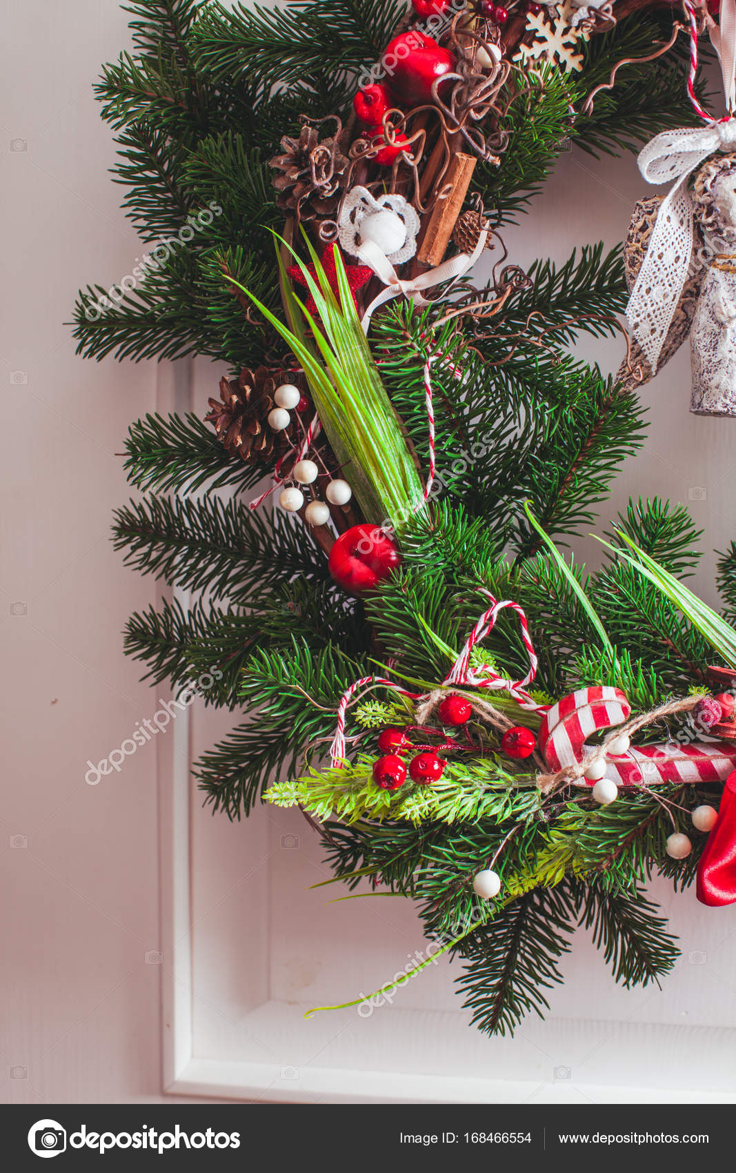 Red And White Christmas Wreath.Red And White Christmas Wreath Stock Photo C Oksixx 168466554