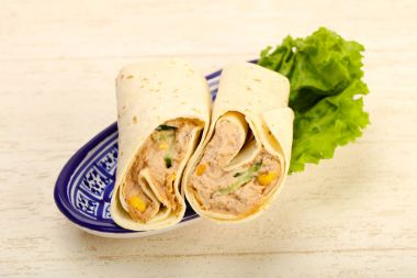 Tuna bread roll with salad leaves