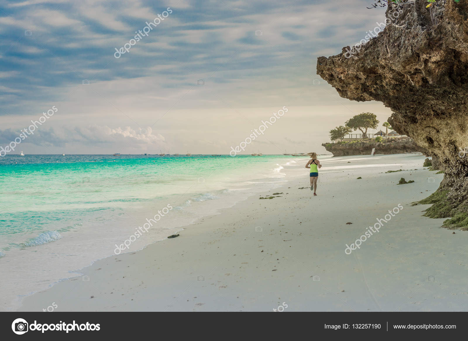 Девушки африки на пляже фото