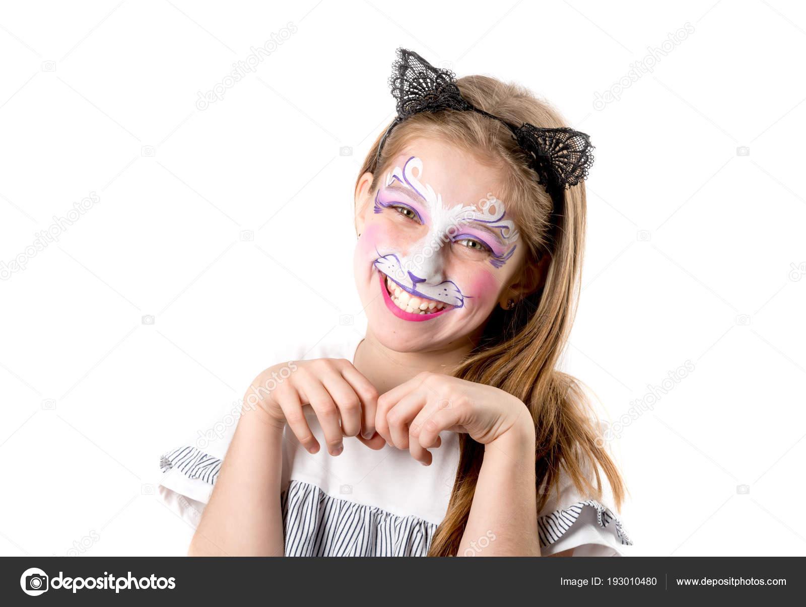 Kedi Yüz Boyama Ile Genç Kız Portresi Stok Foto Tan4ikk 193010480