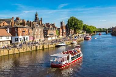 Ship and boats on River Ouse