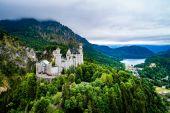 Schloss Neuschwanstein Bayerische Alpen Deutschland