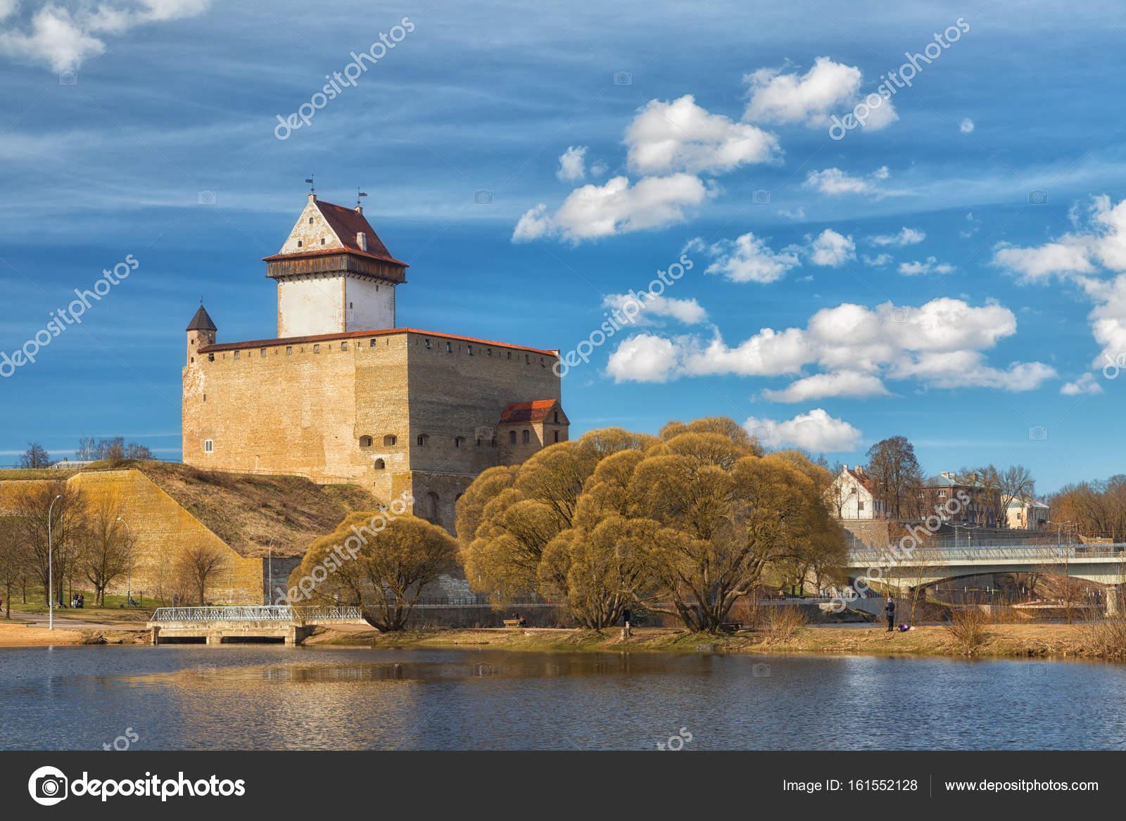 Blick auf die Burg Narva Herman, Estland — Stockfoto