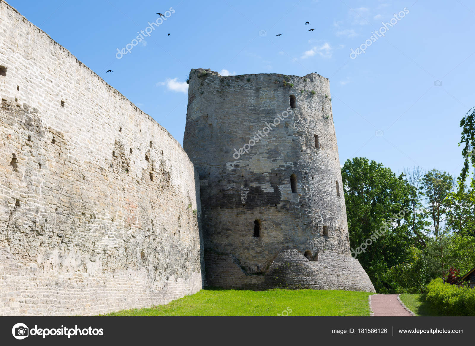 Izborsk fortress, Pskov region: photo and description, history of sights, how to get 8