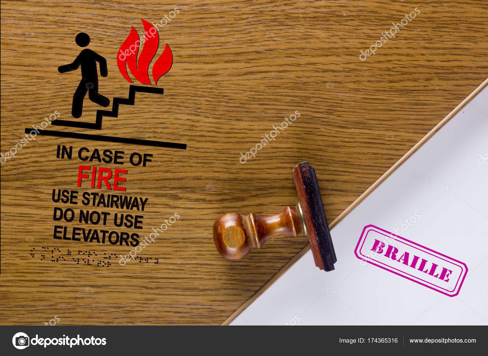 Smbolo En Caso De Incendio Uso Escalera Forma Fotos De Stock