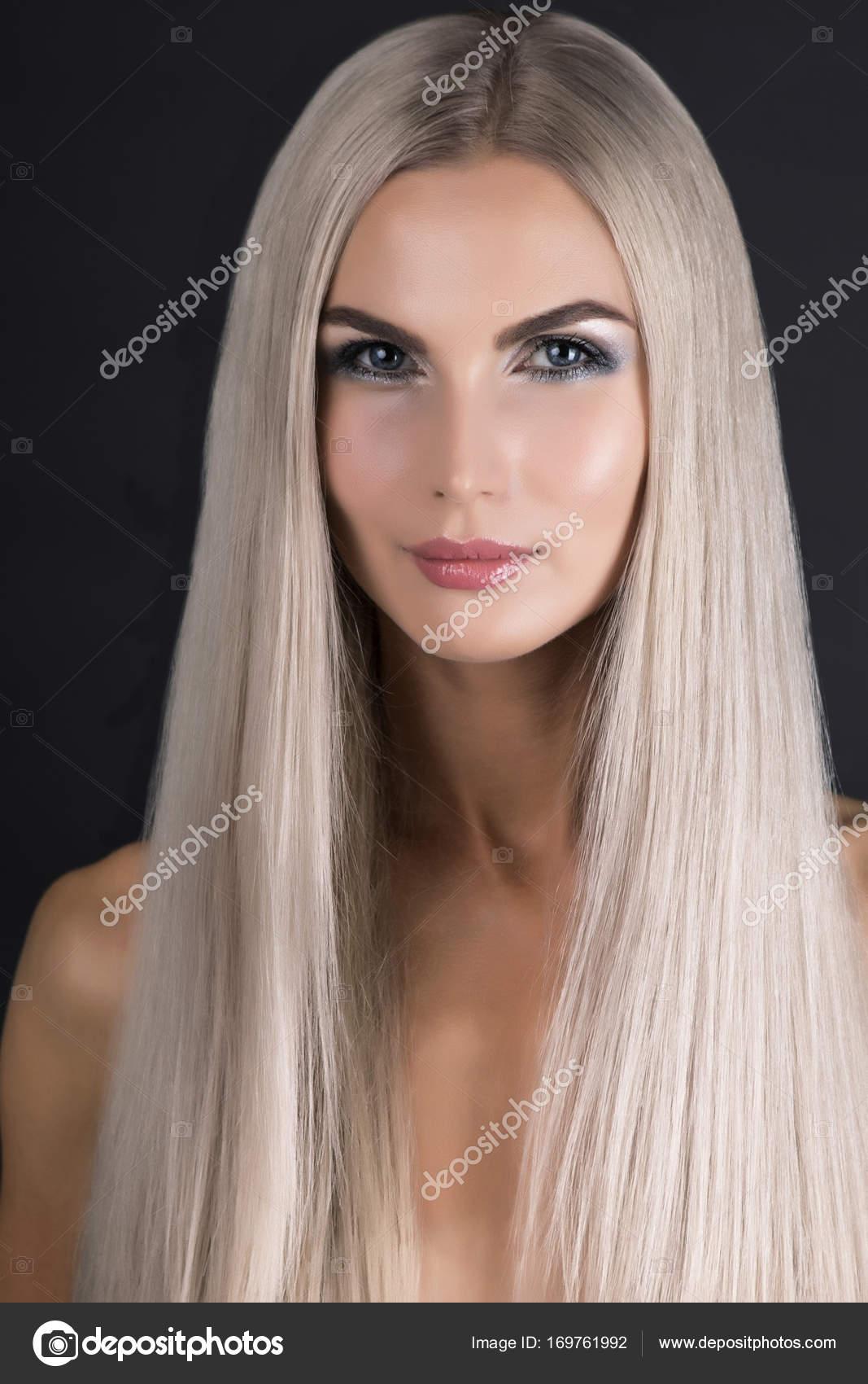 Cheveux gris fille