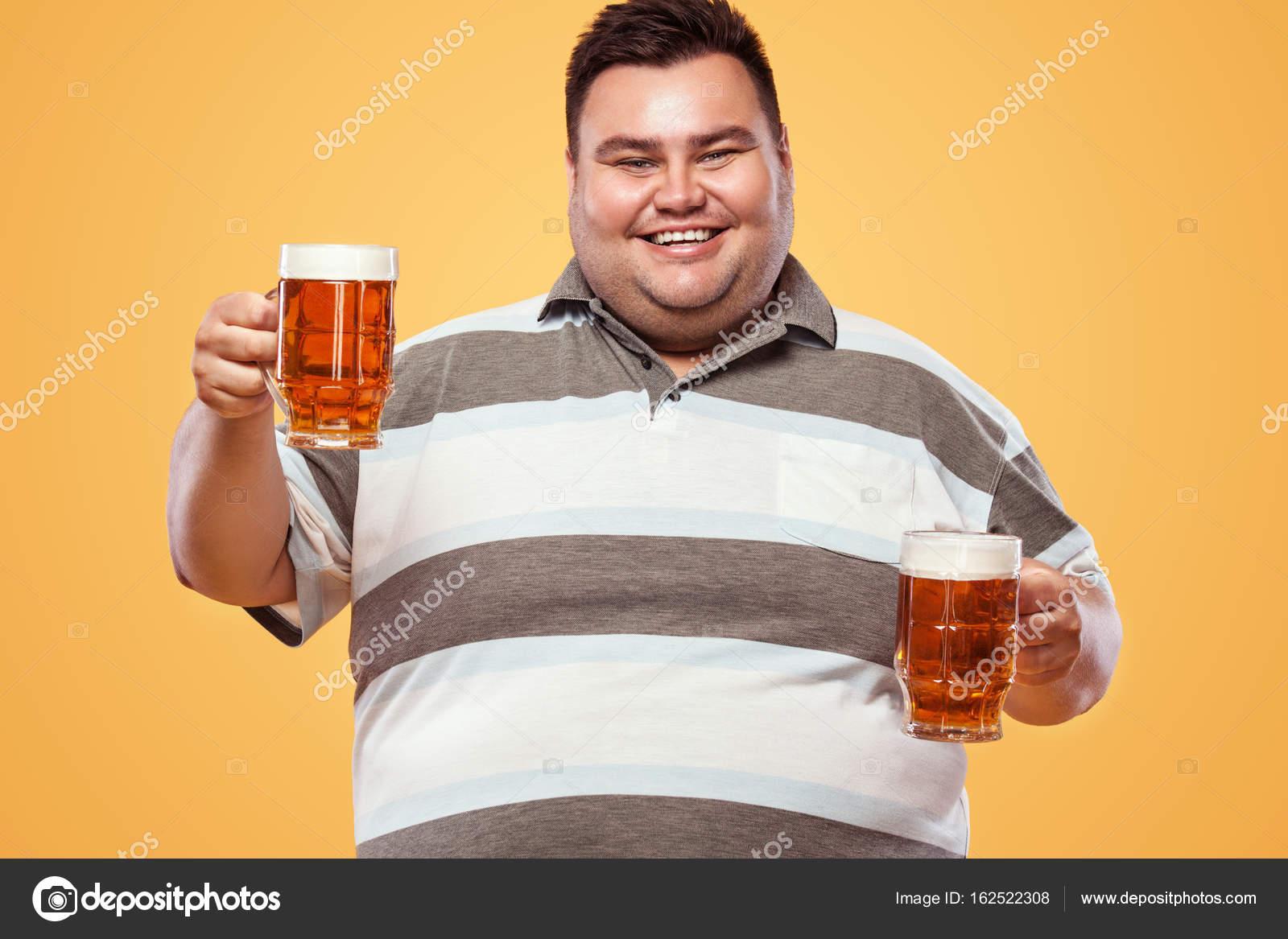 1ère simulation Depositphotos_162522308-stock-photo-young-fat-man-at-oktoberfest