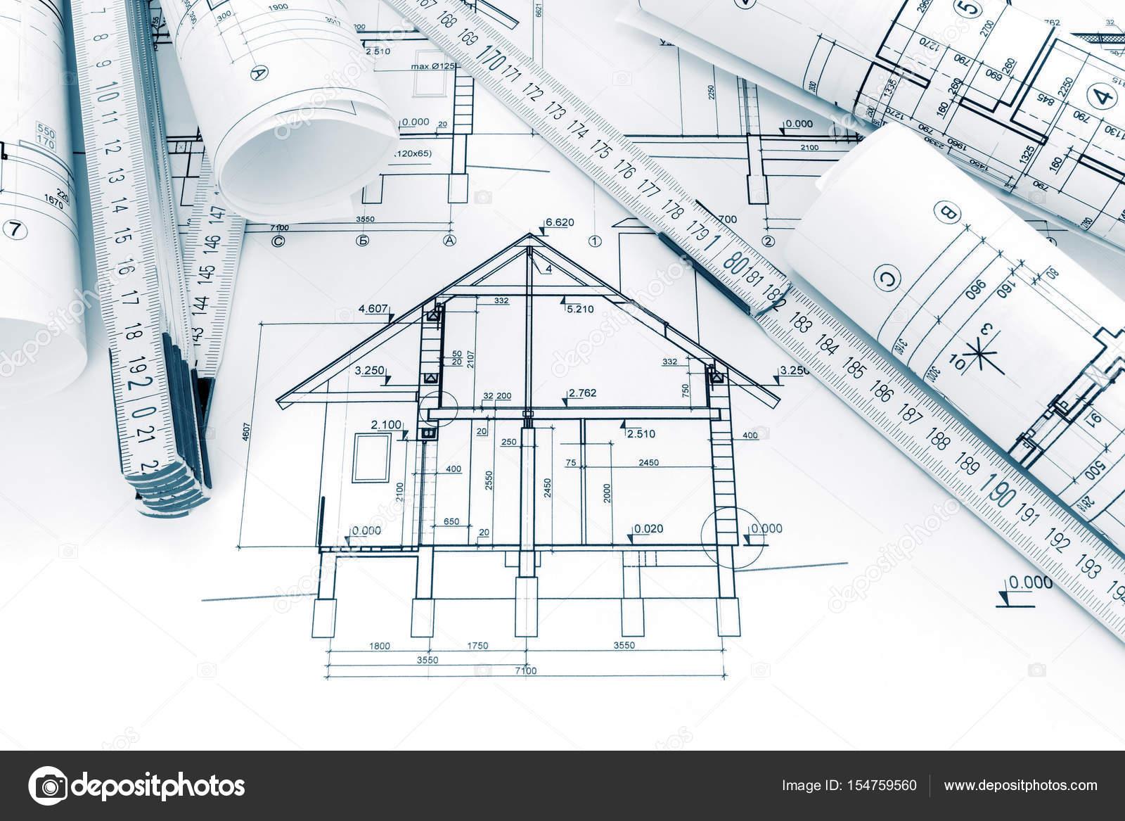 Rouleaux De Dessins Techniques Avec Les Plans Et Les Plans De Construction D U0027une Maison
