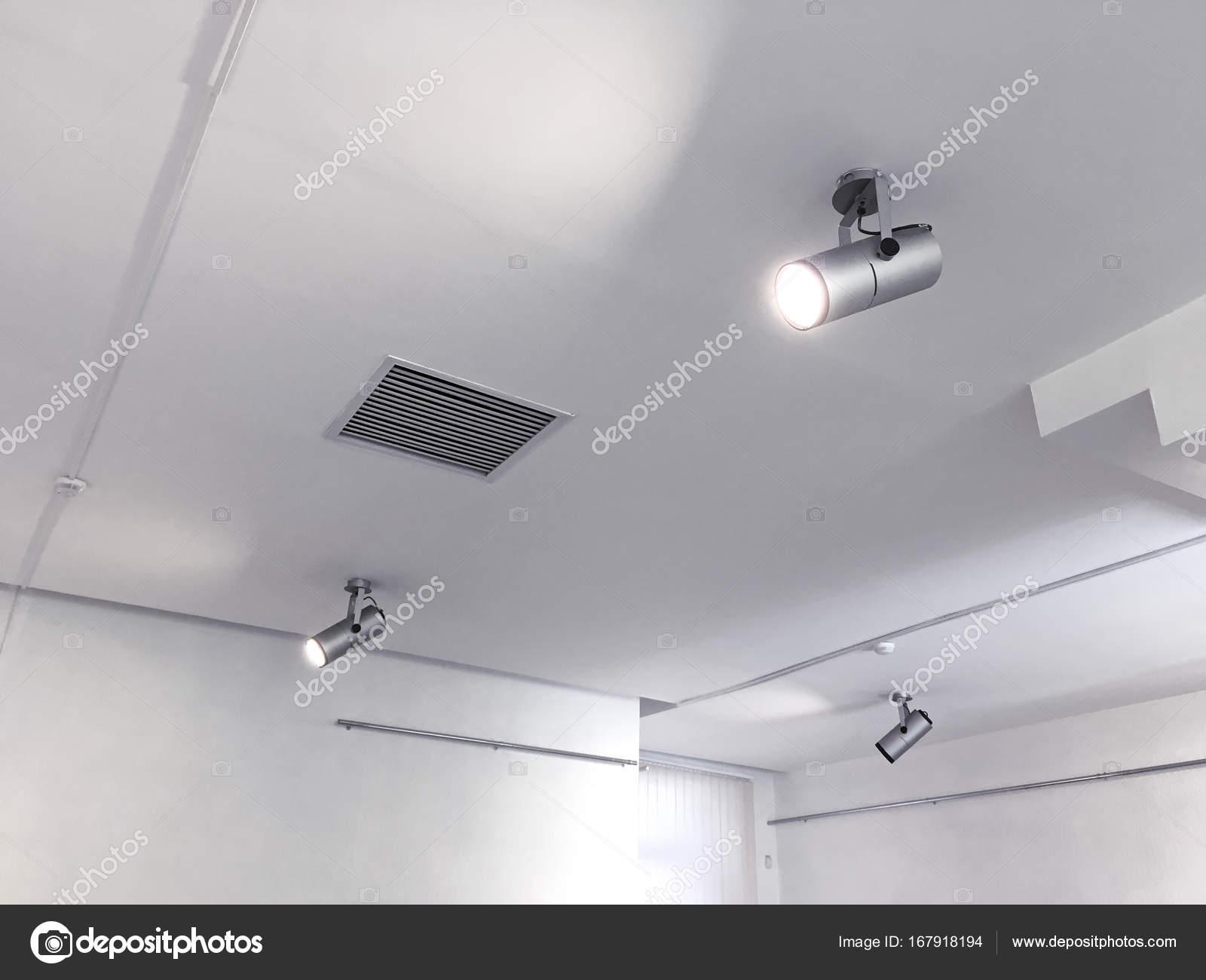 Sistema di illuminazione di esposizioni faretti alogeni luminoso