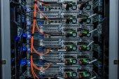 Netzwerk-Server im Datenraum