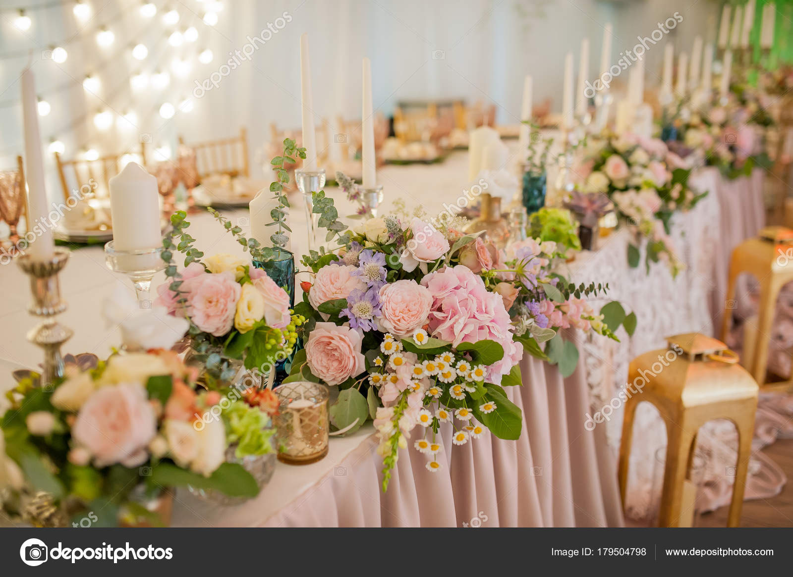 Flores de decorao de casamento stock photo kiriak09 179504798 flores de decorao de casamento fotografia de stock junglespirit Choice Image